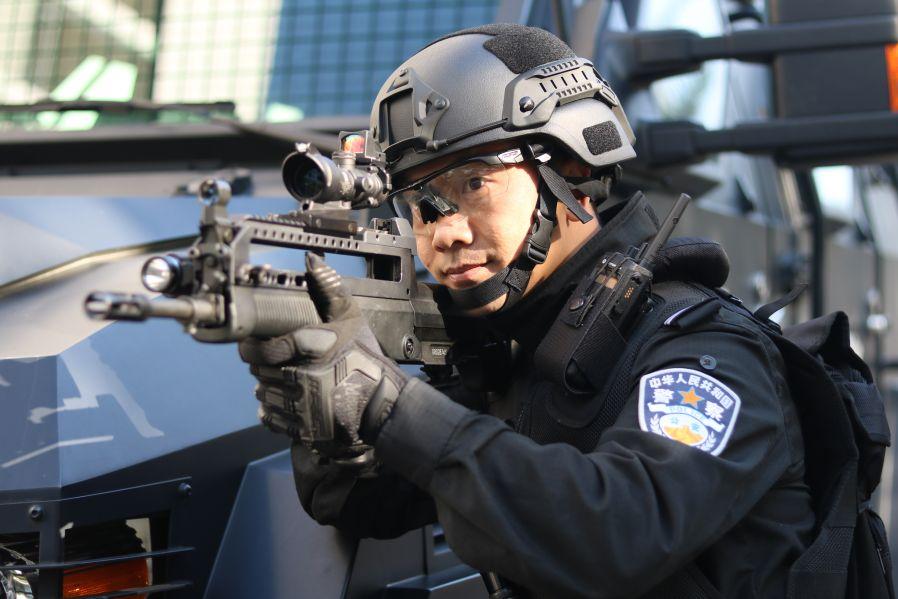 95式突击步枪射击科目训练.JPG